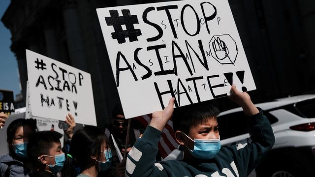 Depuis le début de la pandémie de la Covid-19, les communautés asiatiques de plusieurs pays européens subissent un racisme décomplexé. [Spencer Platt / Getty Images - AFP]