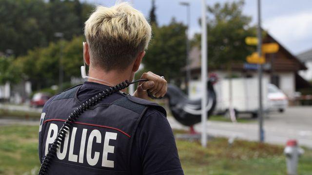 Les partisans et opposants à la future loi contre le terrorisme, sur laquelle le peuple suisse devra se prononcer le 13 juin prochain, avancent leurs arguments. [Anthony Anex - Keystone]