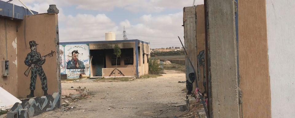 En Libye, la ville de Tarhuna essuie avec effroi la violence des milices. [Maurine Mercier - RTS]
