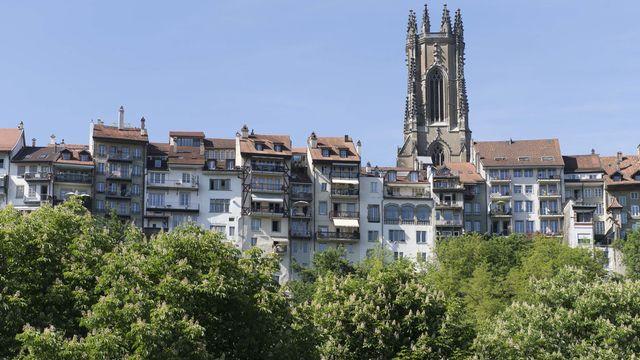 La cathédrale Saint-Nicolas et la vieille ville de Fribourg. [Thomas Delley - Keystone]