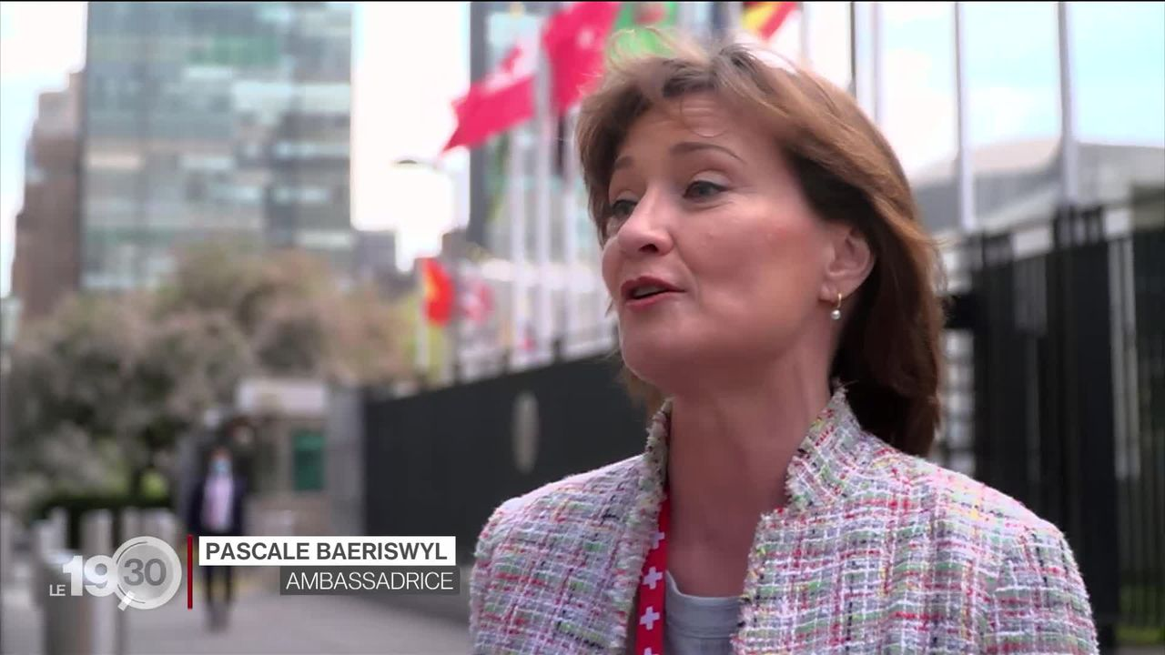 La Suisse tente d'obtenir un siège au Conseil de sécurité des Nations Unies. Plongée dans la campagne menée par Pascale Baeriswyl [RTS]
