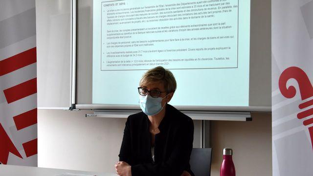 Les comptes déficitaires jurassiens ont été présentés par la ministre des Finances Rosalie Beuret Siess. [Gaël Klein - RTS]