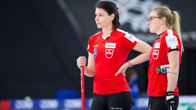 Esther Neuenschwander (gauche), Alina Pätz (droite) et le CC Aarau ont réussi à vaincre le Canada. [Steve Seixeiro - Freshfocus]