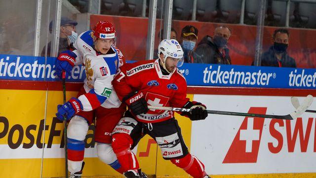 Fuchs (en rouge), ici à la lutte avec le Russe Kukstel. [Estelle Vagne - Freshfocus]