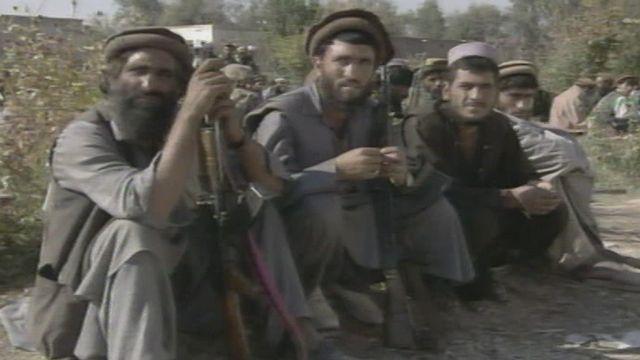 Des combattants moudjahidines à Jalalabad en 2001. [RTS]