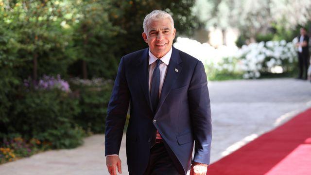 Le chef de l'opposition israélienne Yaïr Lapid a été chargé de former un gouvernement. [EPA/Abir Sultan - Keystone]