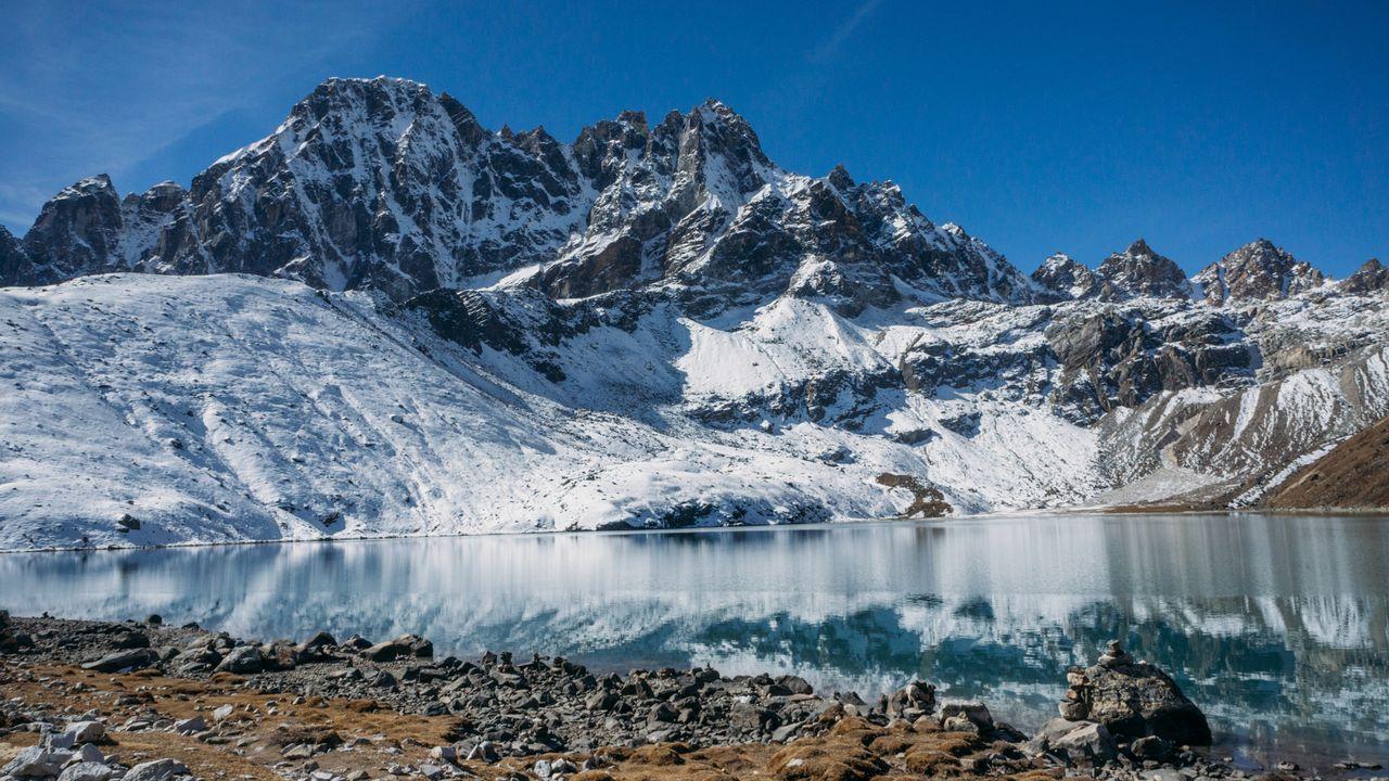 Un lac de montagne au Népal. YuliyaKirayonakBO Depositphotos [YuliyaKirayonakBO - Depositphotos]