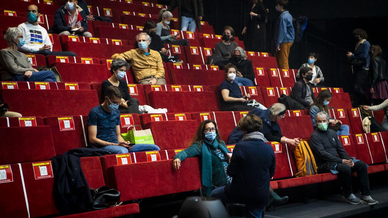 Les cinémas suisses ont rouvert mais sont encore loin d'être rentables. [Jean-Christophe Bott - Keystone]
