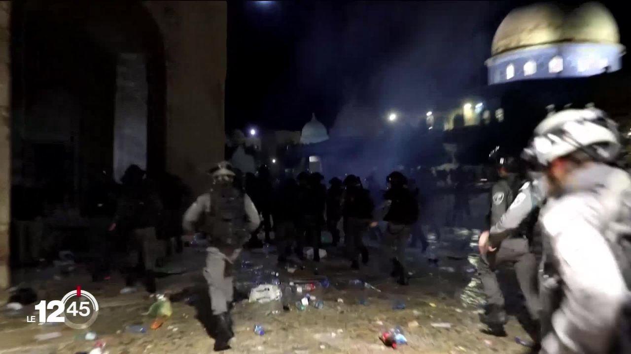 Les tensions entre forces de l'ordre israéliennes et palestiniens ont fait au moins 200 blessés vendredi à Jérusalem. [RTS]