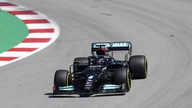 Lewis Hamilton a pris une petite option sur la victoire, qui serait sa 98e en Grand Prix. [Emilio Morenatti - AP]