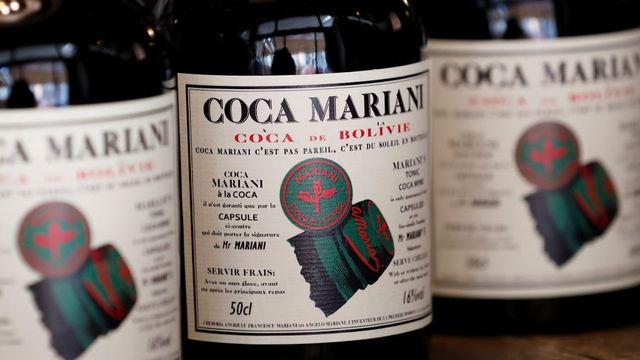 Des bouteilles de Coca Mariani. [Coca Mariani]
