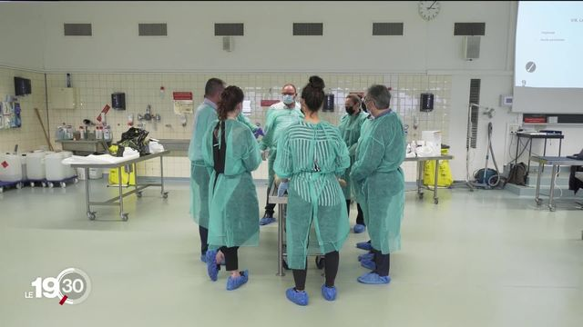 Une première formation pour les soins funéraires [RTS]