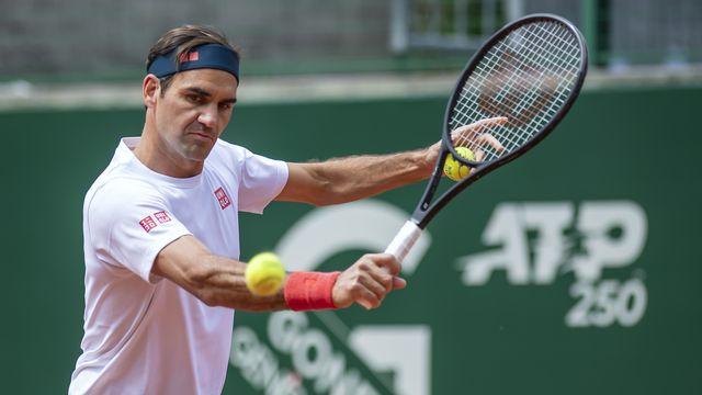 """Roger Federer a pris ses quartiers au TC Genève. """"Quel beau club"""", a-t-il lancé en le retrouvant. [Martial Trezzini - Keystone]"""
