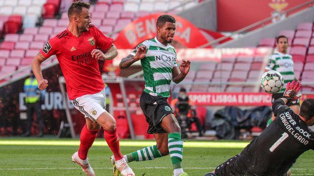 Harris Seferovic ouvre le score à la 12e minute face au Sporting [Isabel Silva - Freshfocus]