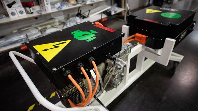 Le recyclage des batteries de voitures électriques pose un vrai défi, au regard du nombre toujours croissant de véhicules électriques en circulation. [Clément Mahoudeau - AFP]