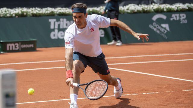 Roger Federer est d'attaque pour distiller ses plus beaux coups sur la terre battue des Eaux-Vives.