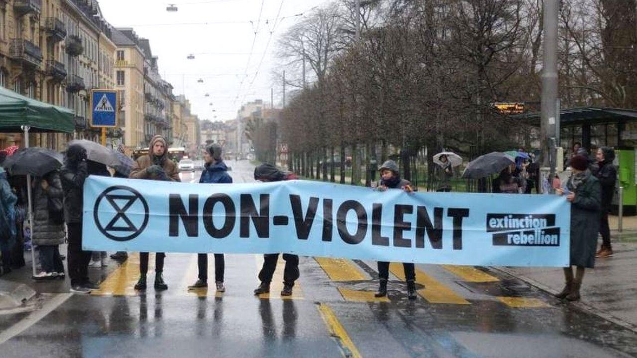 Une image de la manifestation du 5 mars 2020, publiée sur la page Facebook de XR Neuchâtel. [XR/Facebook]