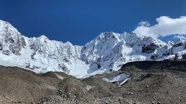 Le glacier 24K, dans les monts Kangri Karpo, au sud-est du plateau tibétain, octobre 2019.  img avec CP WSL Marin Kneib Institut WSL [Marin Kneib - Institut WSL]