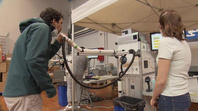 Le CovidAir testé au Centre de dépistage des hospices civils de Lyon. [RTS]