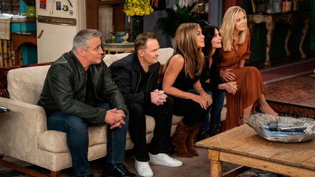 """L'épisode """"The Reunion"""" réunit en 2021 les comédiens de """"Friends"""" 17 ans après la fin de la série. [Reuters]"""