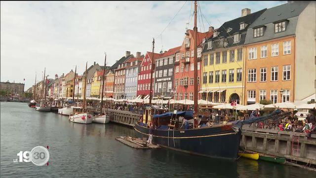 Le pass sanitaire déjà en vigueur au Danemark est plébiscité par la population [RTS]
