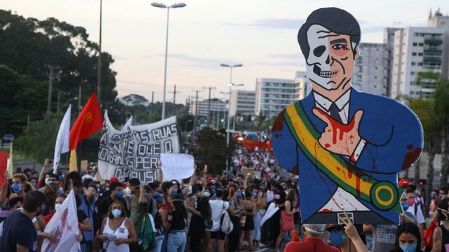 Une manifestation anti-Bolsonaro à Vitoria, au Brésil, le 29 mai 2021. [Ibrahim Ezzat - Gilson Borba/NurPhoto via AFP]