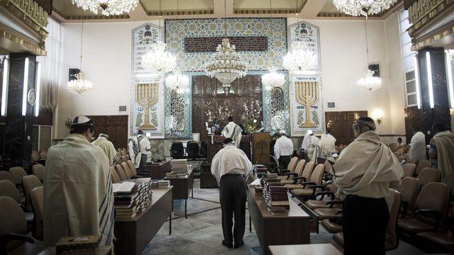 Des hommes juifs iraniens à la synagogue Youssef Abad à Téhéran 2013 [Behrouz Mehri - afp - AFP]