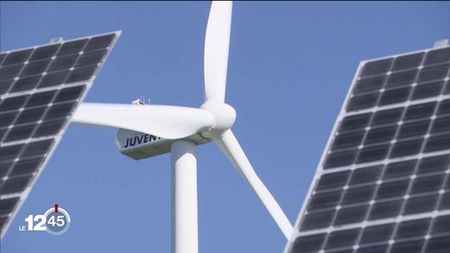 Fribourg est l'un des cantons les mieux dotés en panneaux photovoltaïques. [RTS]