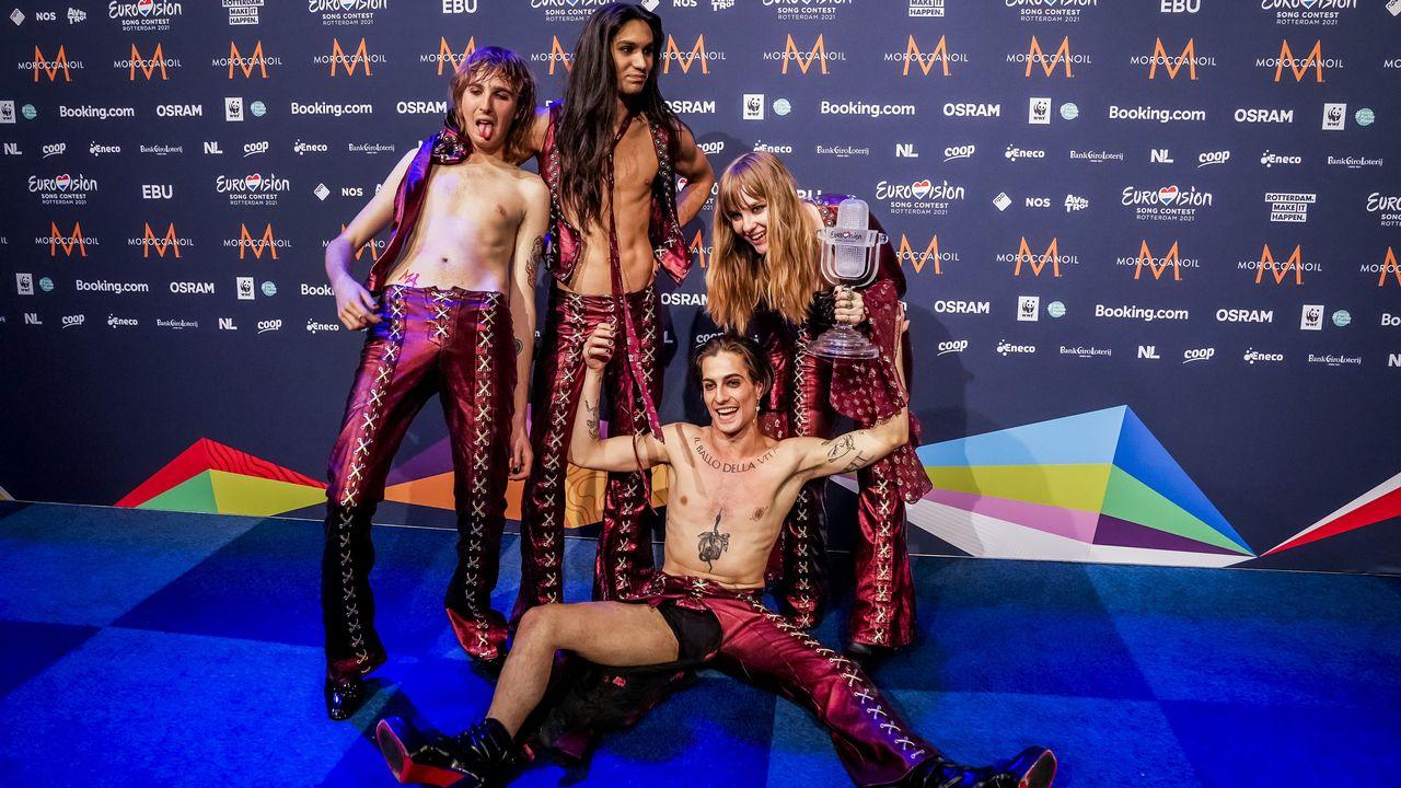 Le groupe italien Maneskin, vainqueur du concours 2021, a soufflé un vent de fraîcheur qui a attiré un public jeune. [Sander Koning - AFP]