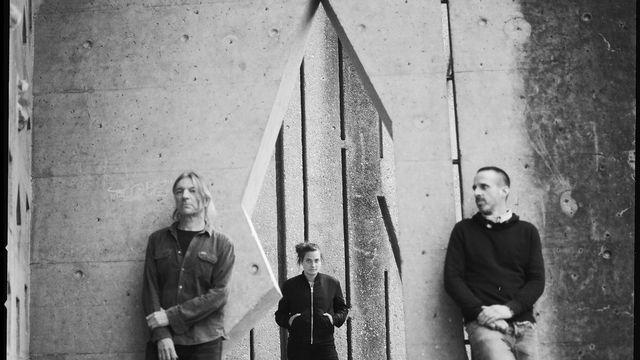 /A\, le nouveau projet rock réunissant Emilie Zoé, Franz Treichler et Nicolas Pittet. [Mehdi Benkler - Festival de la Cité]