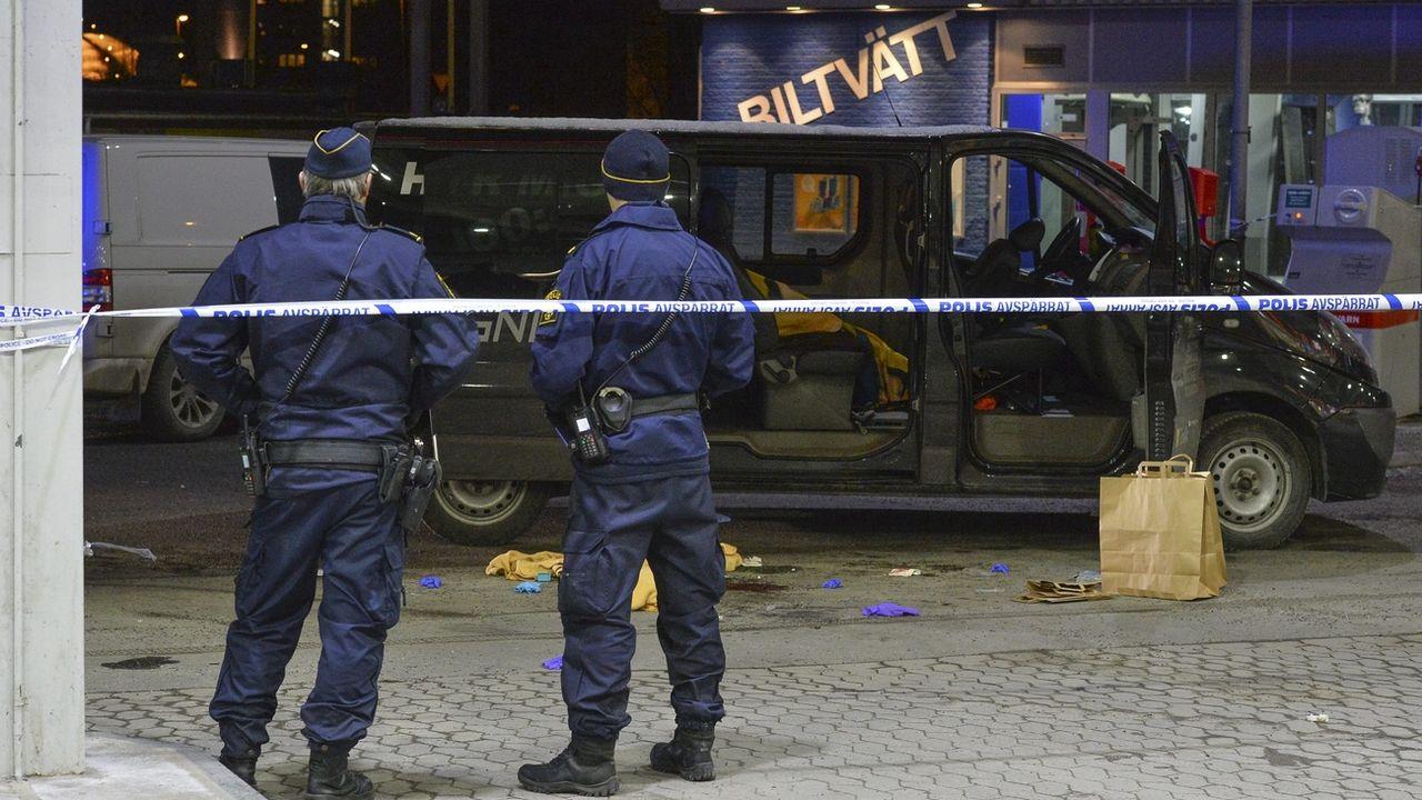 La police suédoise sécurisant une scène de fusillade en février 2016. [Johan Nilson - EPA/Keystone]