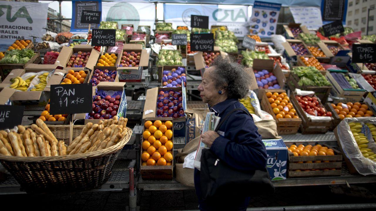 Un stand de marché en Argentine. [Natacha Pisarenko - Keystone/AP Photo]