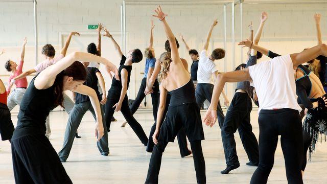 Des danseurs de la compagnie Ballet Béjart. [Magali Girardin - Keystone]