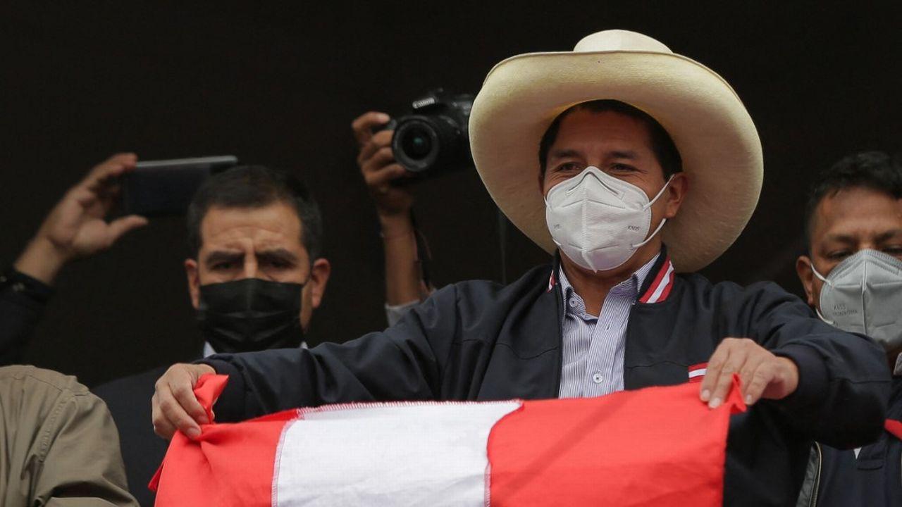 Le suspense perdure au Pérou dans la dernière ligne droite de la présidentielle, Pedro Castillo s'estime vainqueur, après le dépouillement de 99,8% des bulletins. [Luka Gonzales - afp]