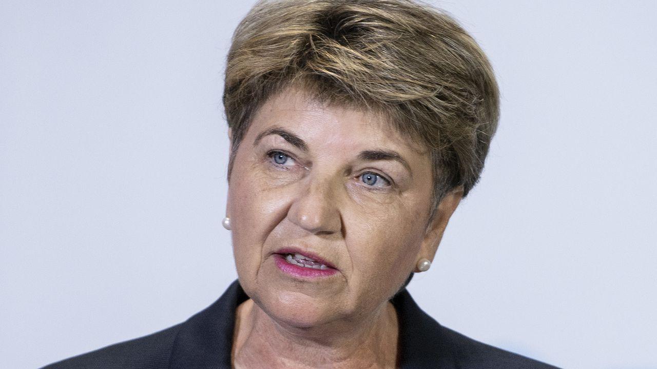 Le Covid va influer durablement sur notre politique de sécurité, note la ministre de la défense Viola Amherd. [Peter Schneider - KEYSTONE]