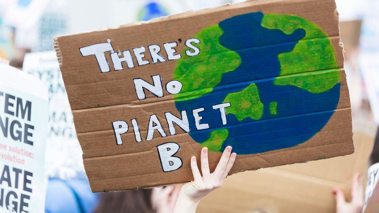 Il faut traiter ensemble les crises du climat et de la biodiversité, selon les experts de l'ONU. [InkDropCreative - Depositphotos]