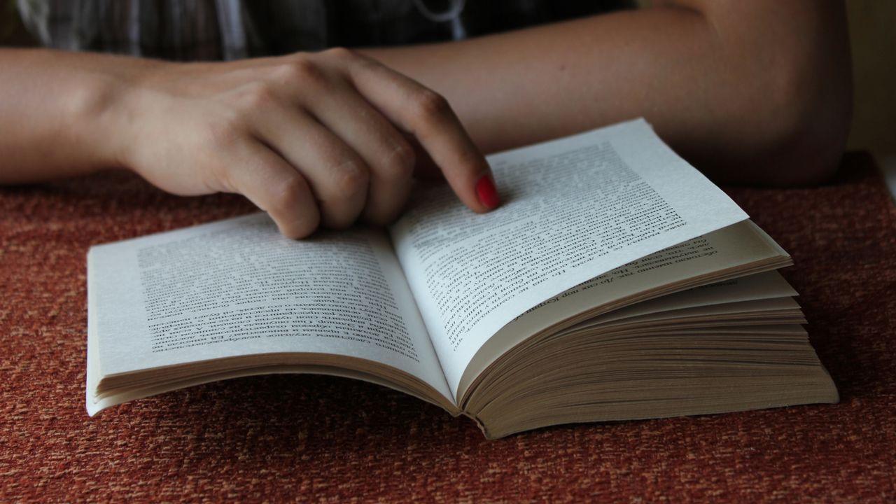 Comment lire des livres qu'on ne comprend pas? [vivante - Depositphotos]