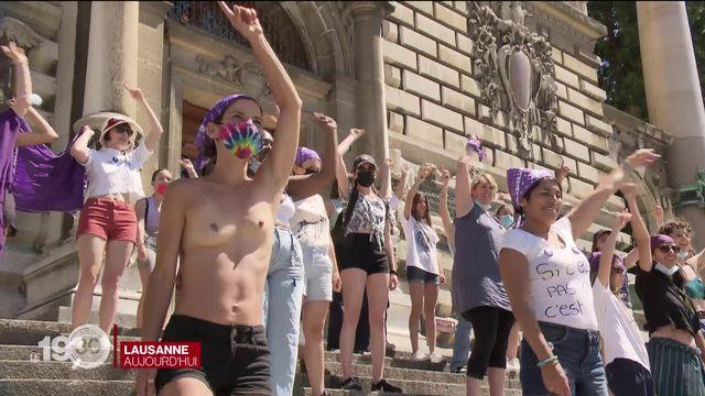 Des milliers de personnes ont pris part aux manifestations féministes dans les villes suisses [RTS]