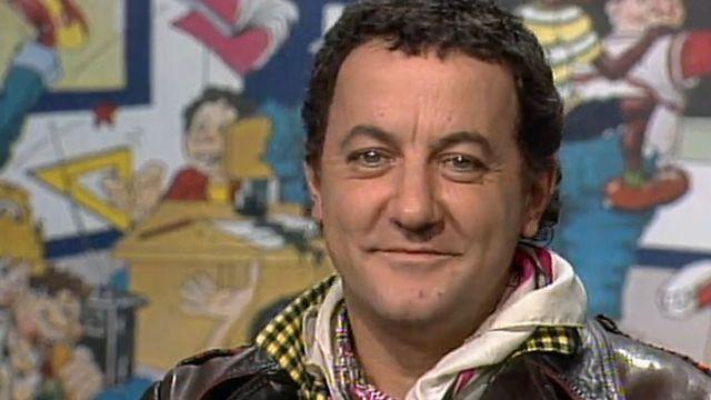 L'humoriste français Coluche sur le plateau de Spécial cinéma en 1981. [RTS]
