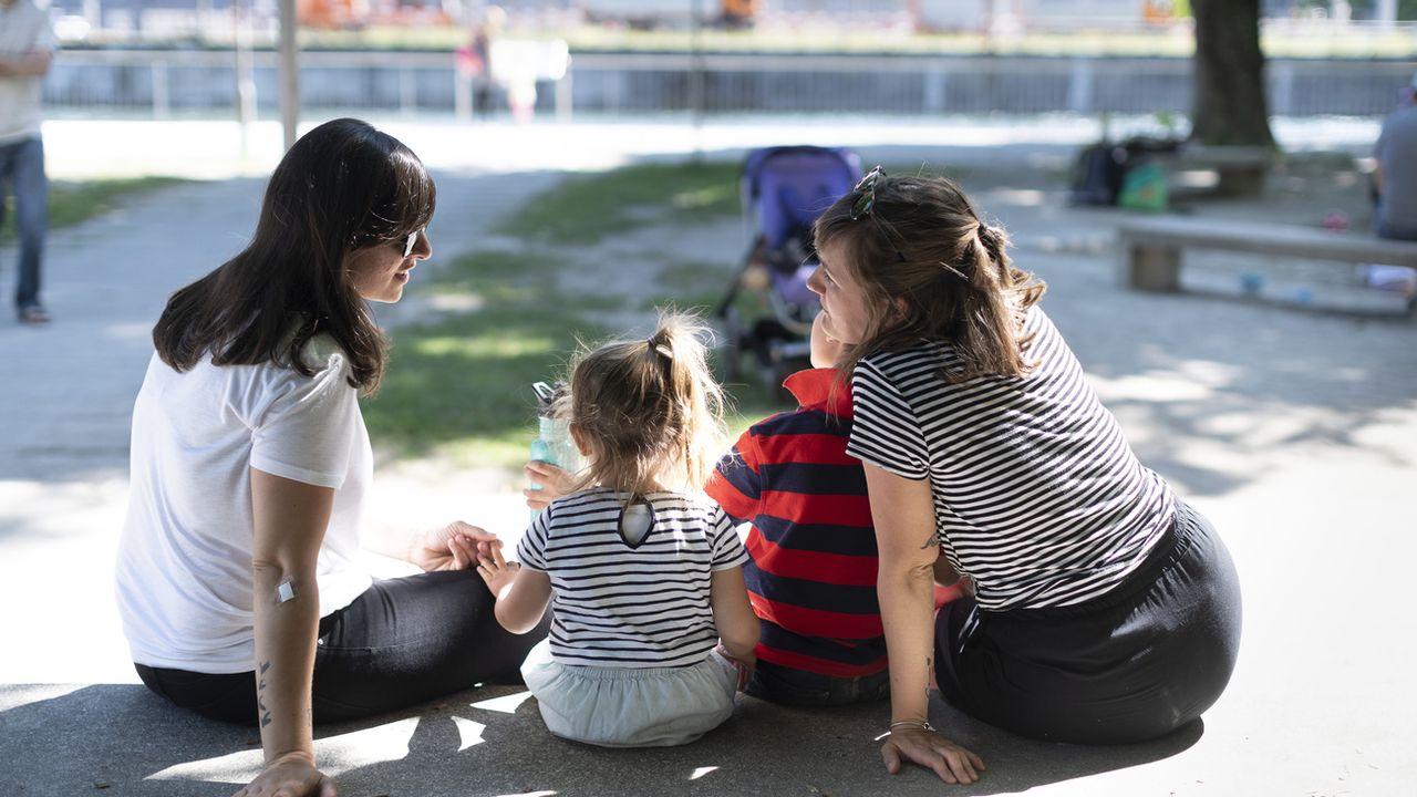 Faire garder son enfant coûte trop cher en Suisse, selon l'Unicef [Gaetan Bally - Keystone]