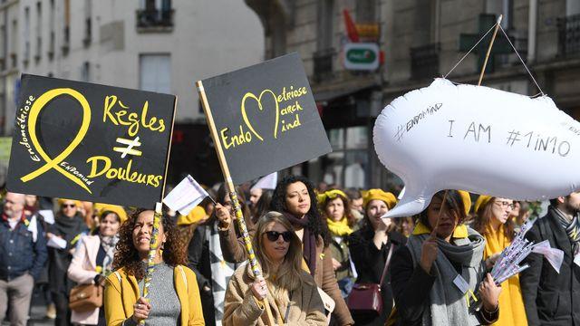 Une marche mondiale contre l'endométriose en 2018 (ici à Paris), pour demander une meilleure prise en charge de cette maladie. [AFP]