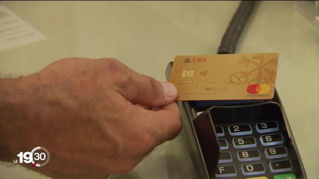 Les frais liés à l'utilisation des cartes de paiement augmentent. Les commerçants sont inquiets [RTS]