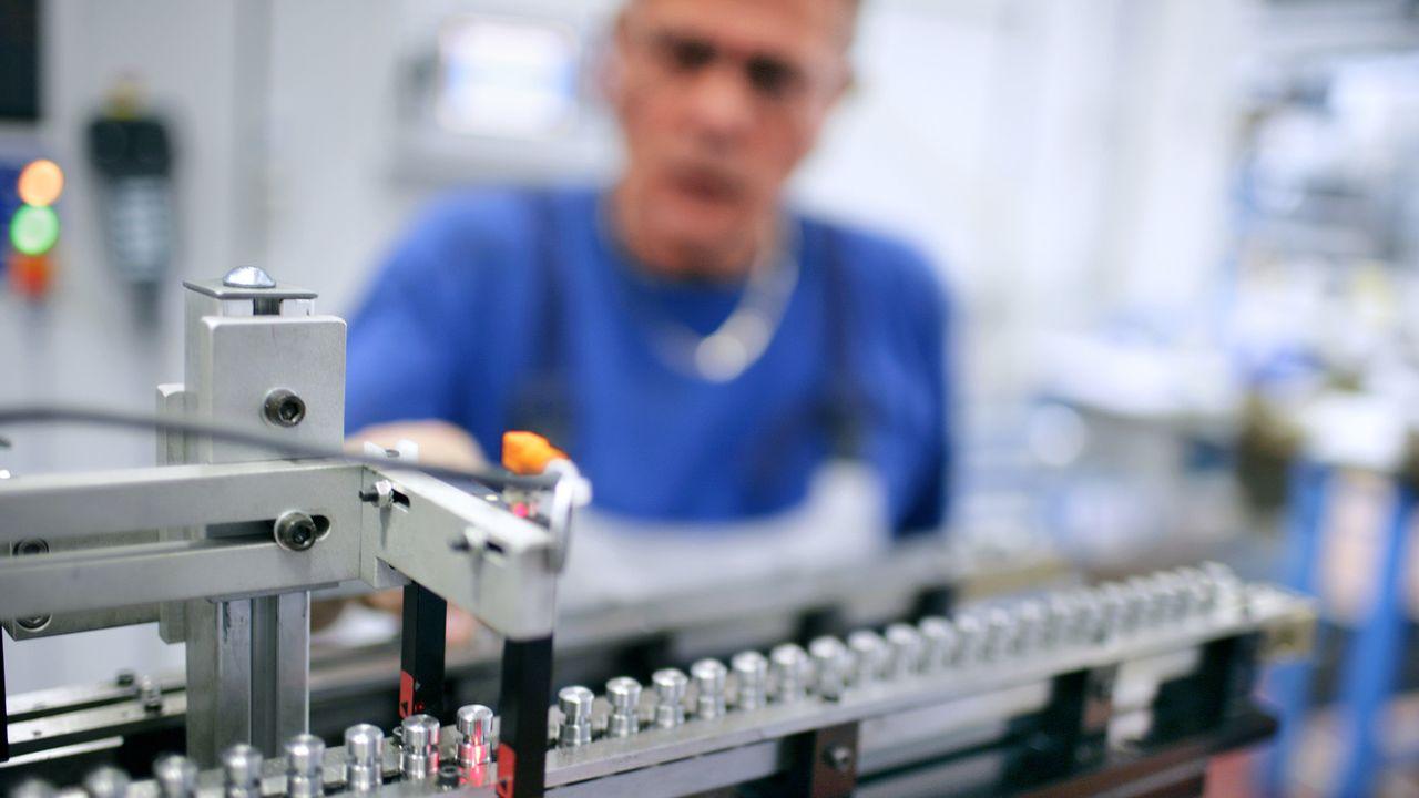 Le nombre de travailleurs frontaliers en Suisse a plus que doublé en 25 ans. [Martin Ruetschi - Keystone]