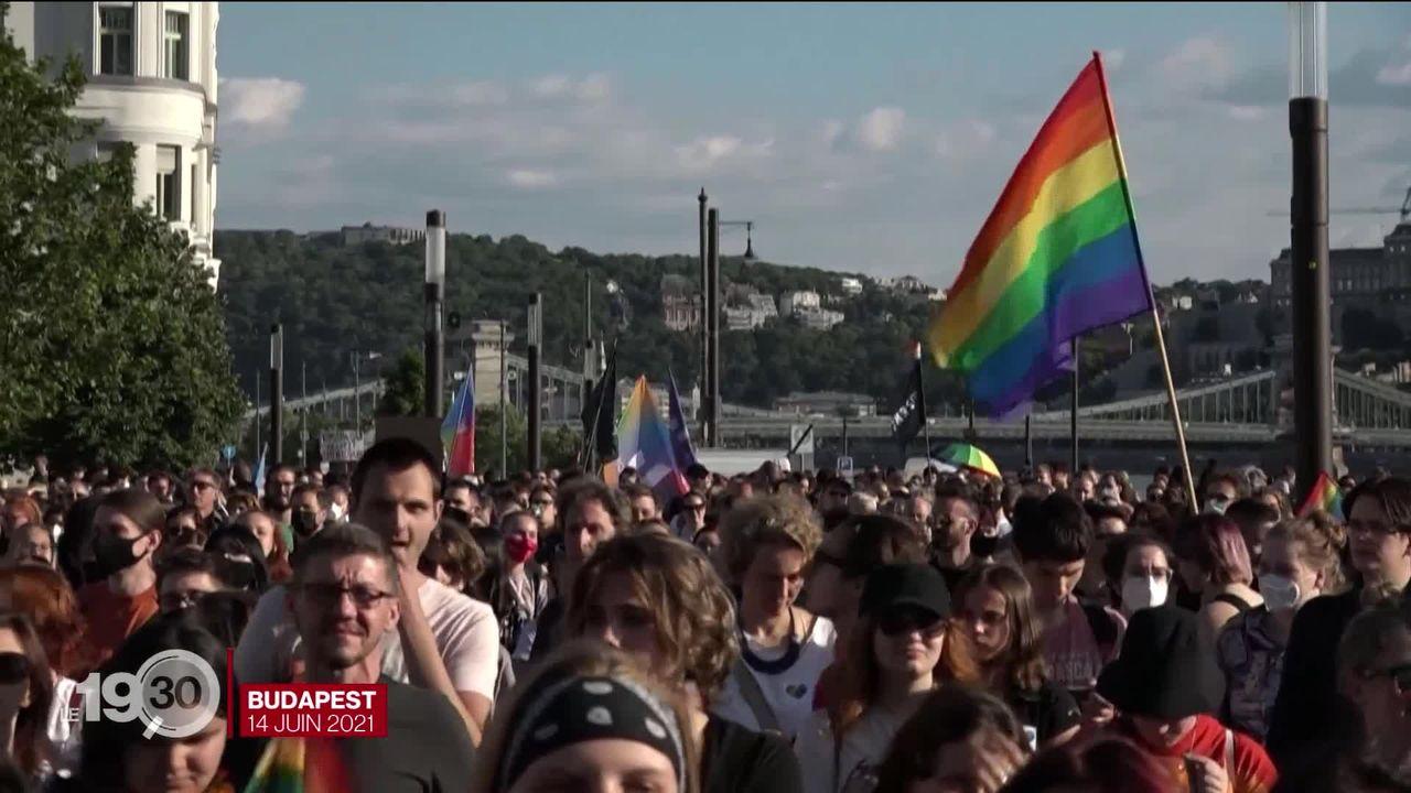 Les droits LGBTIQ relancent les tensions entre l'Union européenne et la Hongrie. [RTS]