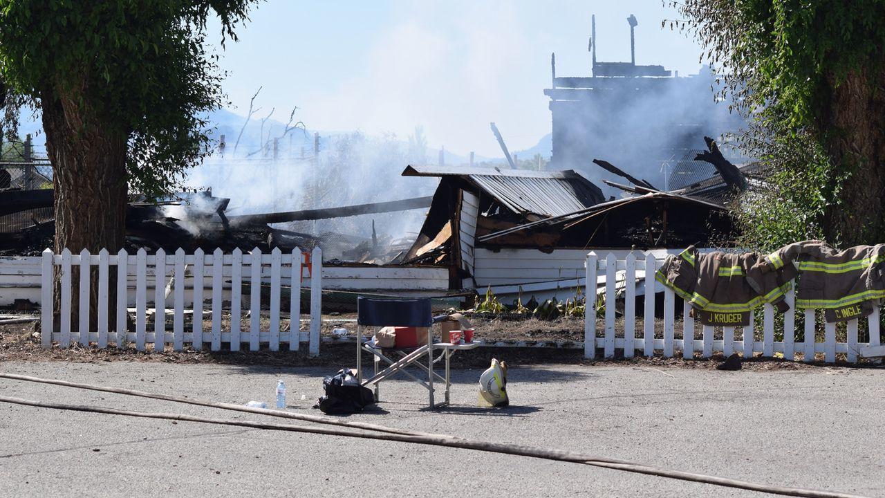 Les autorités cherchent à vérifier s'ils ont un lien avec les incendies d'églises survenus le 21 juin à Penticton (photo) et Oliver. [James Miller - Keystone]