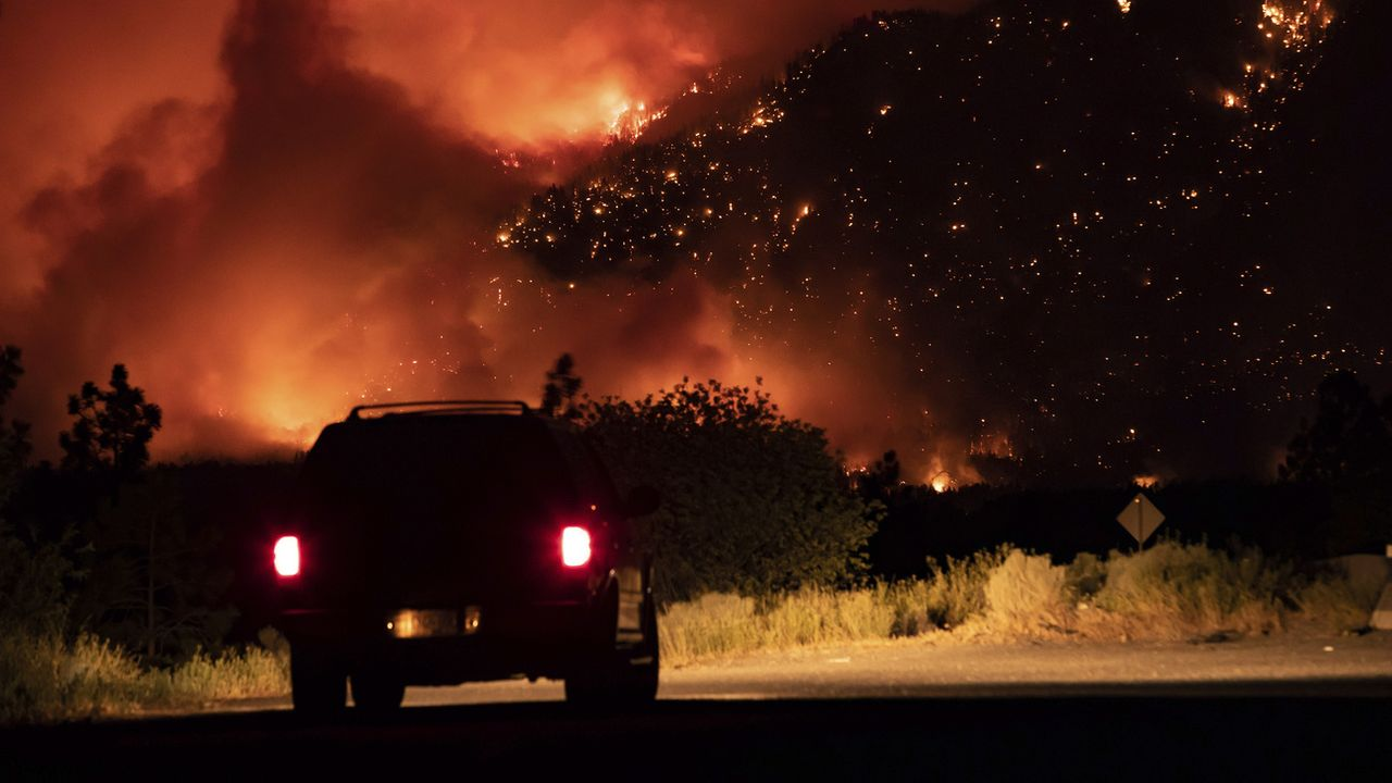 Les incendies ont pratiquement détruit le village de Lytton en Colombie-Britannique. [Darryl Dyck - The Canadian Press/AP/Keystone]