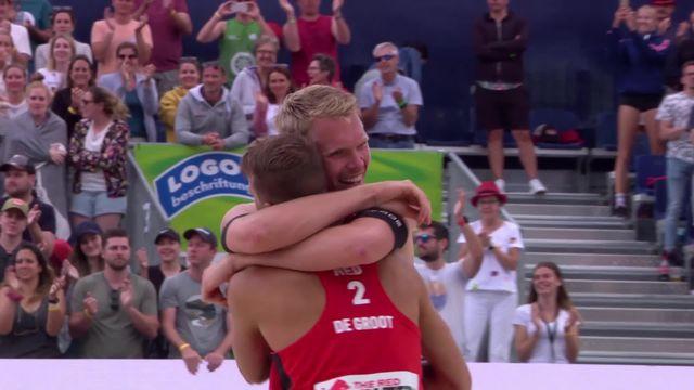 Beachvolley, Gstaad, finale messieurs: victoire de la paire Boermans-de Groot (NED) (23-21, 19-21, 15-10) [RTS]