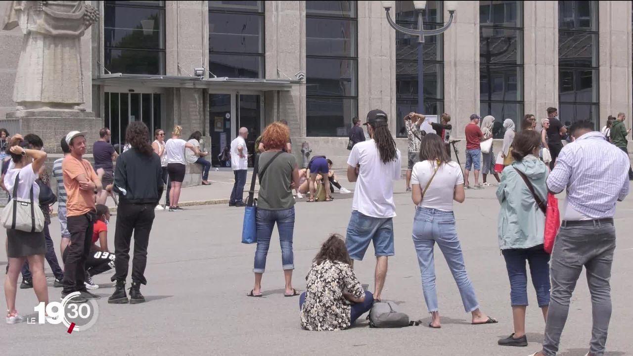 Les personnes non vaccinées doivent faire un test pour voyager ou sortir en boîte: les centres cantonaux sont pris d'assaut [RTS]