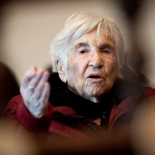 Esther Bejarano, survivante d'Auschwitz, dans un procès contre l'ancien garde SS Bruno Dey, à Hamburg. Allemagne, le 9 décembre 2019. [Christian Charisius/Pool - AFP]