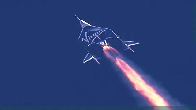 Le vaisseau spatial Unity durant son ascension jusqu'aux frontières de l'espace, à plus de 80'000 mètres d'altitude. [Virgin Galactic - Reuters]